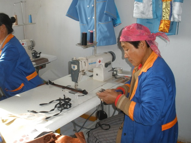 Tailor shop in Umnugovi soum, Uvs province, 2009.01